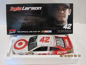 【送料無料】模型車 スポーツカー #ターゲットナイト listingkyle larson 2014 42 target night liquid color 124