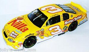 【送料無料】模型車 スポーツカー 3 chevy nascar 2002 nillaウエハーバターデイルアンハートjr 1243 chevy nascar 2002 nilla wafersnutter butter dale earnhardt jr 124