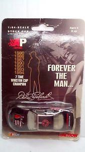 【送料無料】模型車 スポーツカー デイルアーンハート#シボレーアクションdale earnhardt 3 forever the man chevy 164 nascar limited edition action ap
