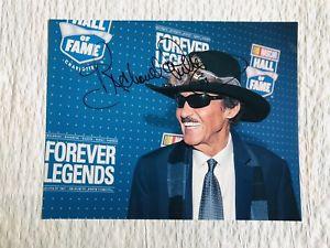 【送料無料】模型車 スポーツカー richard petty hand signed 2010 nascar hof inductee8x10 photorichard petty hand signed 2010 nascar hof inductee 8x10 photo