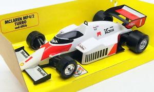 【送料無料】模型車 スポーツカー スケールモデルカーマクラーレンターボ#プロストburago 124 scale model car b27e f1 mclaren mp42 turbo 1 prost