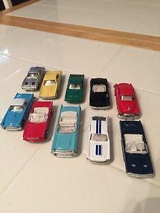 【送料無料】模型車 スポーツカー セットtoy cars 1993 valvoline 10 most wanted cars set