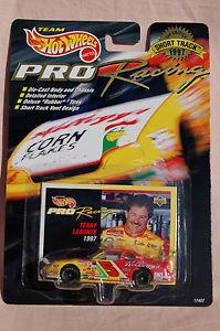 【送料無料】模型車 スポーツカー カードbrand never openedホットホイールズnascarテリーlabonte5レーシングhot wheels nascar terry labonte 5 pro racing with card brand never op
