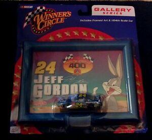 【送料無料】模型車 スポーツカー サークルギャラリーシリーズジェフゴードンバニー2002 nascarrccaactionwinners circle gallery seriesjeff gordonamp; bugs bunny