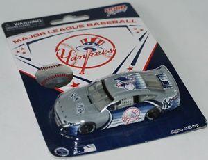 【送料無料】模型車 スポーツカー mlbフォードnascar 2013ニューヨークヤンキース164リーグベースボールmlb ford nascar 2013 york yankees 164 major league baseball
