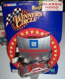 【送料無料】模型車 スポーツカー デイルアーンハート#モンテカルロクラシックフード2001 winners circle dale earnhardt 3 goodwrench monte carlo classic hood