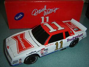 【送料無料】模型車 スポーツカー #バドワイザーモンテカルロアクションdarrell waltrip 11 budweiser 1984 monte carlo 124 action rcca bwb preowned