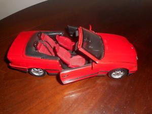 【送料無料】模型車 スポーツカー bmw 325iマイストモデルカーブドウbmw 325i cabriolet maisto well preserved model car vintage