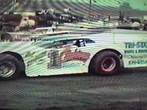 【送料無料】模型車 スポーツカー モデルdvds 1983great wedge dirt late model dvds 1983