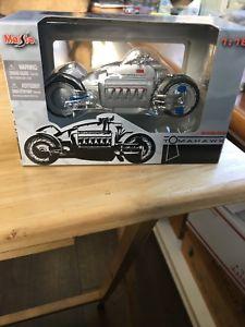 【送料無料】模型車 スポーツカー スケールダッジトマホークオートバイ2004 maisto 118 scale dodge tomahawk v10 motorcycle nib nip