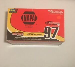 【送料無料】模型車 スポーツカー カリフォルニアスピードウェイ#レースナパコレクションcalifornia speedway 97 inaugural race napa 500 1997 124scle revell collection