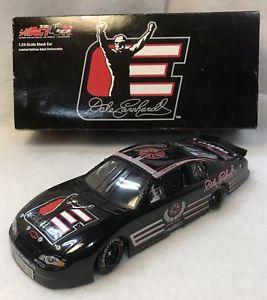 【送料無料】模型車 スポーツカー dale earnhardt 2002legacy 124action diecast cardale earnhardt 2002 legacy 124 action diecast car