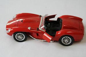 【送料無料】模型車 スポーツカー フェラーリテスタロッサレッドferrari 250 testa rossa 1957 bburago 118 red