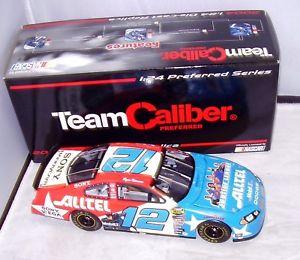 【送料無料】模型車 スポーツカー チームキャリバー#ライアンニューマン124 2004 team caliber preferred 12 alltel dc justice leauge ryan man
