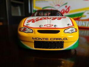 【送料無料】模型車 スポーツカー シボレーモンテカルロ#テリーアクション2000 chevy monte carlo 5 terry labonte kelloggs 124 action