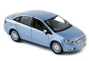 【送料無料】模型車 スポーツカー fiat linea 2006azul 143 norevダイカストcoche defiat linea 2006 color azul 143 norev diecast coche de metal