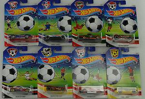 【送料無料】模型車 スポーツカー サッカーサッカーホットホイール2016 soccer football assortiment 8 pices djl38 etatsunis 164 hot wheels