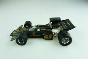 【送料無料】模型車 スポーツカー ロータスフォーミュラレースカーピーターソンボックスfx 3 lotus jps formula 1 race car peterson polistil 125 without box 507388