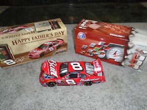 【送料無料】模型車 スポーツカー デイルアーンハートジュニア#バドワイザーアクション124 dale earnhardt jr 8 budweiser fathers day 2004 action nascar mib