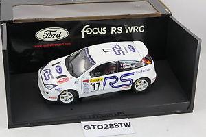 【送料無料】模型車 スポーツカー スケールフォードフォーカスラリーモンテカルロ#フランソワデルクールautoart 118 scale ford focus rs wrc 2001 rally montecarlo 17 f delecour