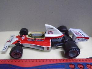 【送料無料】模型車 スポーツカー イタリアスケールマクラーレンフォーミュラフィッティパルディpolistil italy art gf2 116 scale mclaren m 23 formula 1 e fittipaldi 1975