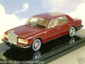 【送料無料】模型車 スポーツカー ミニチュアガイストtruescale miniatures 143 1980 rollsroyce silbern geist in dunklen rot tsm11431