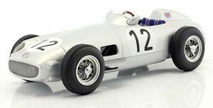 【送料無料】模型車 スポーツカー メルセデスベンツフォーミュラスターリングモスイギリスiscale 118 mercedesbenz w196 12 formula 1 stirling moss winner british gp