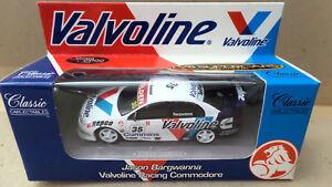 【送料無料】模型車 スポーツカー ジェイソンホールデンコモドールスケール#jason bargwanna valvoline holden vt commodore 2000 143 scale 10351