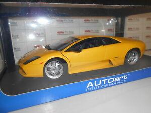 【送料無料】模型車 スポーツカー ランボルギーニムルシエラゴイエローaa74511 by autoart lamborghini murcielago yellow met 118