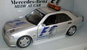 【送料無料】模型車 スポーツカー モデル118 26106mercedesベンズcクラスamgf1 1997ut models 118 26106 mercedes benz c class amg medical car f1 1997