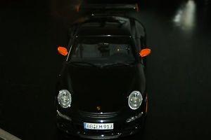 【送料無料】模型車 スポーツカー ポルシェグアテマラブラックオレンジ