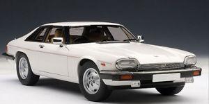 【送料無料】模型車 スポーツカー ジャガーxjsクーペ73576118autoart jaguar xjs coupe white 73576 118