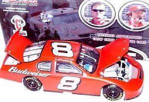 【送料無料】模型車 スポーツカー デイルアーンハートジュニアテストアクションdale earnhardt jr 2005 test crew jefe especial 124 action coche de metal