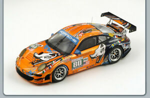 【送料無料】模型車 スポーツカー ポルシェグアテマラモータースポーツルマンスパークporsche 911 9972 gt3 rsr flying liard motorsport le mans 2011 spark 118 18s052