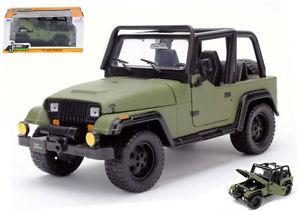 【送料無料】模型車 スポーツカー ジープラングラーグリーンモデルjeep wrangler 1992 green 124 model jada toys