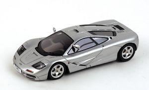 【送料無料】模型車 スポーツカー 143 tsm13ss1モデルマクラレンf1シャシーmclaren f1 chassis silver with high mirror true scale 143 tsm13ss1 model