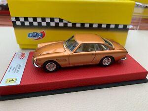 【送料無料】模型車 スポーツカー フェラーリグアテマラメタリックゴールドツインヘッドランプbbr ferrari 330 gt 22 metallic gold twin headlight red leather base 143