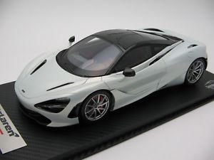 【送料無料】模型車 スポーツカー スケールマクラーレンアイスシルバー118 scale tecnomodel mclaren 720s ice silver 2017 t18ex06d