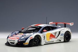 【送料無料】模型車 スポーツカー マクラーレングアテマラレッドブルローブモデルmclaren 12c gt3 red bull 2012 loebtimetable 9 118 model autoart