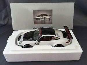 【送料無料】模型車 スポーツカー ポルシェ911 997 gt3 rsr08 118porsche 911 997 gt3 rsr n 08 118 autoart