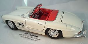 【送料無料】模型車 スポーツカー メルセデスベンツモデルmercedes benz 300 sl convertible 1957 in 118 model car by burago classic car