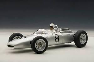 【送料無料】模型車 スポーツカー ポルシェチョニュルブルクリンク#ドライバードイツporsche 804 f1 jo bonnier nurburgring 1962 8 driver german gp limited 118