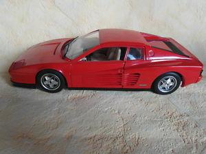 【送料無料】模型車 スポーツカー フェラーリモデルカーレッドbburago ferrari testarossa model car 1984 red 118