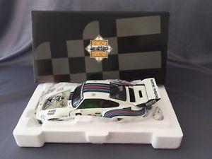 【送料無料】模型車 スポーツカー ポルシェ935マティーニ3 118 exotoschurtimanfredstommelenロルフィングporsche 935 martini 3 118 exoto manfred schurti rolf stommelen