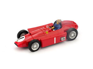 【送料無料】模型車 スポーツカー フェラーリグランプリイギリスファンマニュエルファンジオパイロットferrari d50 gp great britain 1956 juan manuel fangio 1 pilot 143 r076ch