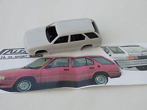 【送料無料】模型車 スポーツカー モデルアルファロメオスポーツワゴンchestnut models 143 alfa romeo 33 sport wagon 1989