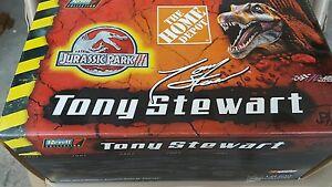 【送料無料】模型車 スポーツカー tony stewart 124 home depot jurassic park2001tony stewart 124 home depot jurassic park 2001