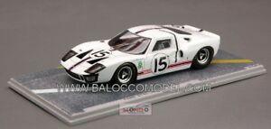 【送料無料】模型車 スポーツカー フォードford gt 40 n15 lm 1966 143 bizarre bz282