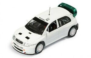 【送料無料】模型車 スポーツカー シュコダファビアテストカーホワイト143 skoda fabia wrc test car 2005  white