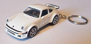 【送料無料】模型車 スポーツカー バトンガールporsche 934ダイカストキーホルダーmajorette porsche 934 high detail diecast car keyring